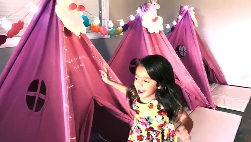 Festa do pijama unicórnio da pequena Nina